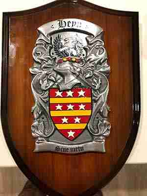 Gates Family Crest Surname Coat Of Arms Brown Leather Keyring Engraved