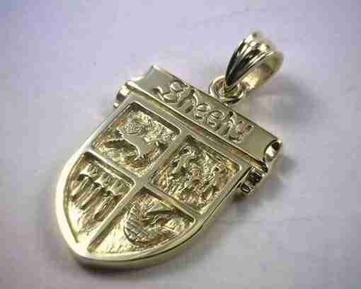 coat-of-arms-pendent